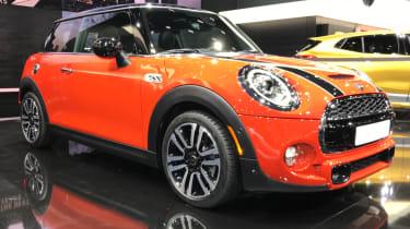 2018年新的Fackifted Mini Hatch和敞篷车透露