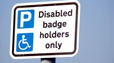 蓝徽章方案:每次残疾停车位30个徽章持有人,数字设置为成长