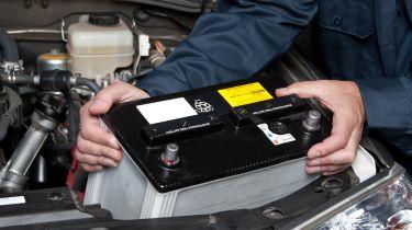买一款新车电池:你是否被过度收?