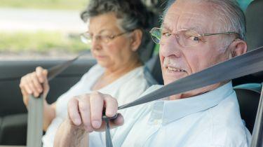 超过70年代的脸部驾驶宵禁,跟踪器和距离限制
